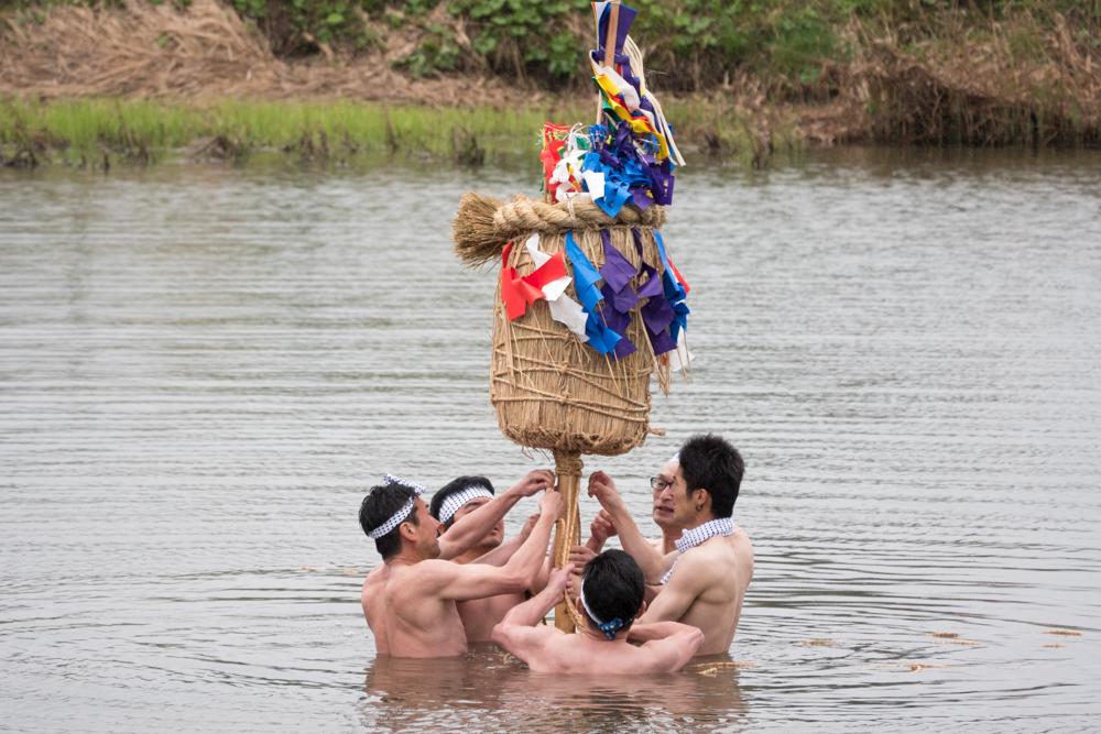 300年の歴史がある沼入りぼんでんが開催されました