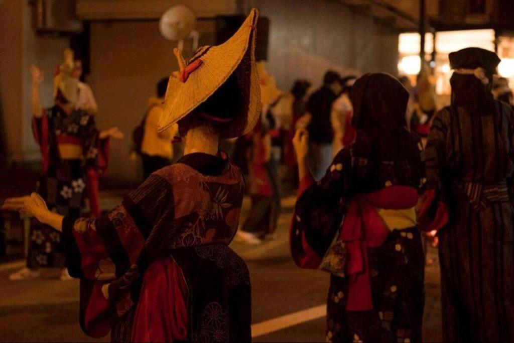 秋田・羽後町の「西馬音内盆踊り」が中止 新型コロナ影響で